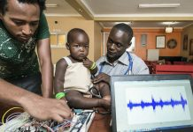 Brian Turyabagye and his team have developed a biomedical kit for early diagnosis and continuous monitoring of pneumonia patients.