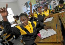 A study says primary school teachers may have an influence on how healthy their pupils are.
